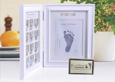 China Wood Safe Baby Hand And Footprint Photo Frame Kit Non Toxic Ink Pad For Girls / Boys supplier