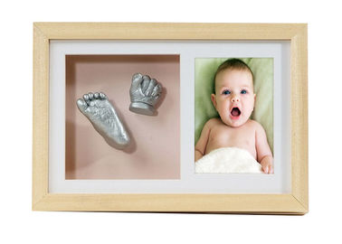 China Newborn 3D Baby Casting Kit , Artificial Style Natural Wooden Photo Frame factory