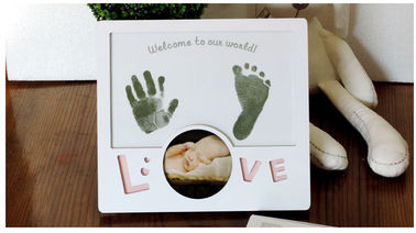 Custom Baby Birth Souvenirs Inkless Handprint / Footprint Photo Frame for Parents Gift